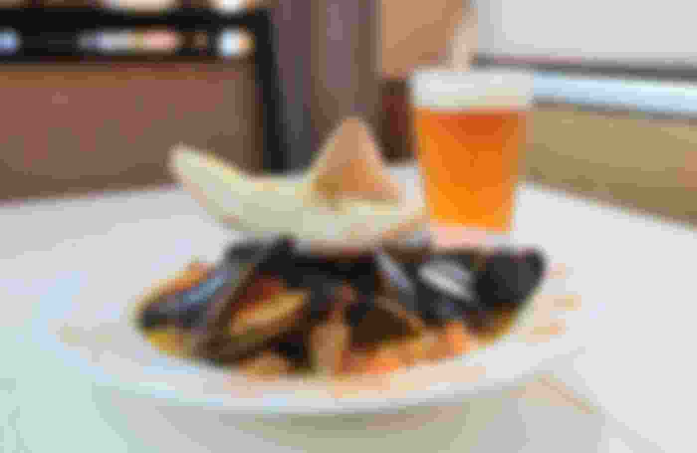 mussels and glass of beer